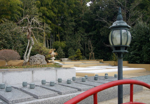 大里法流寺墓園